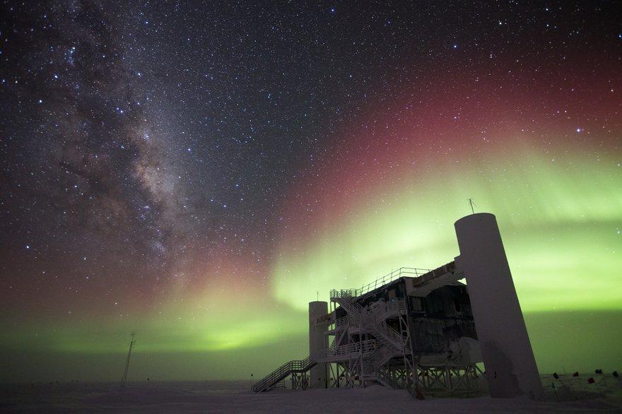 Aurora over ICL