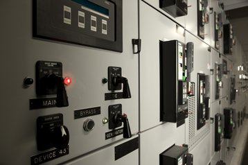 electricity circuit breakers safety distribution thinkstock photos huntstock
