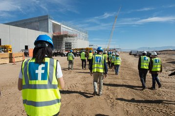 Construction workers on the Las Lunas site