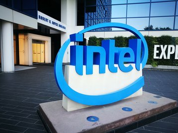 Intel to roll-out silicon photonics transceivers in wireless infrastructure