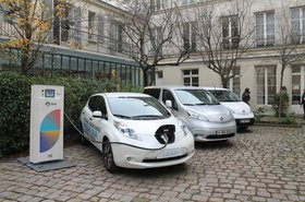 Nissan Leaf cars in Paris