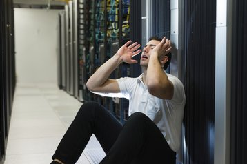 Server crash failure error outage