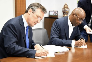 Documents signed - Liquid Telecom and CDC