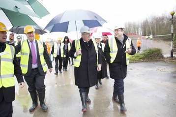 eric pickles bisits harlow park kao data site