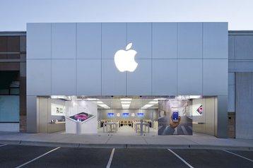 An Apple Store in Greensboro, North Carolina